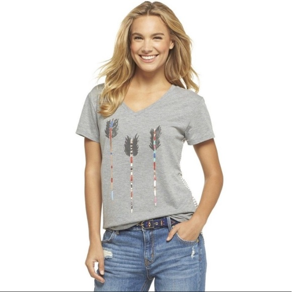 Toms Tops - Toms Size small tee feathered arrow